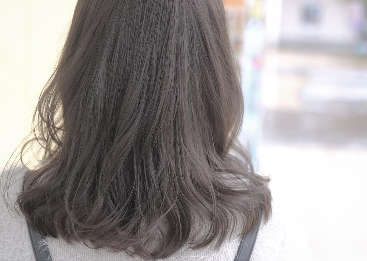 外国人風 グレージュ ゆるふわ ニュアンス ヘアスタイルや髪型の写真・画像