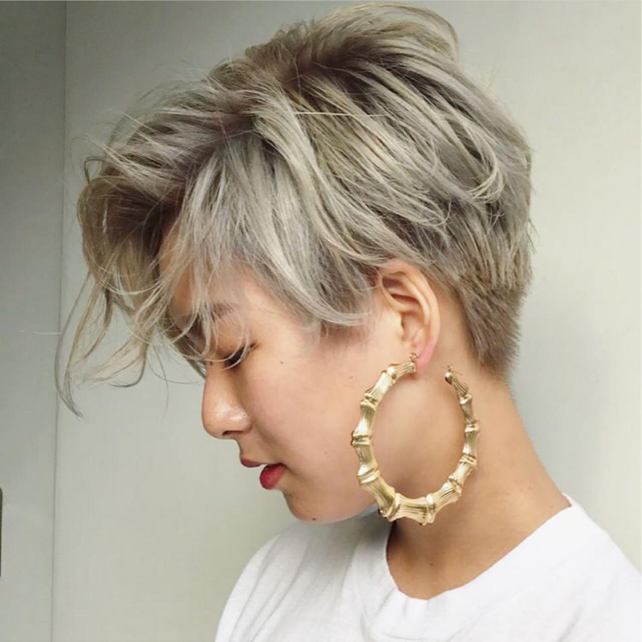 ショート ストリート パーマ ニュアンス ヘアスタイルや髪型の写真・画像