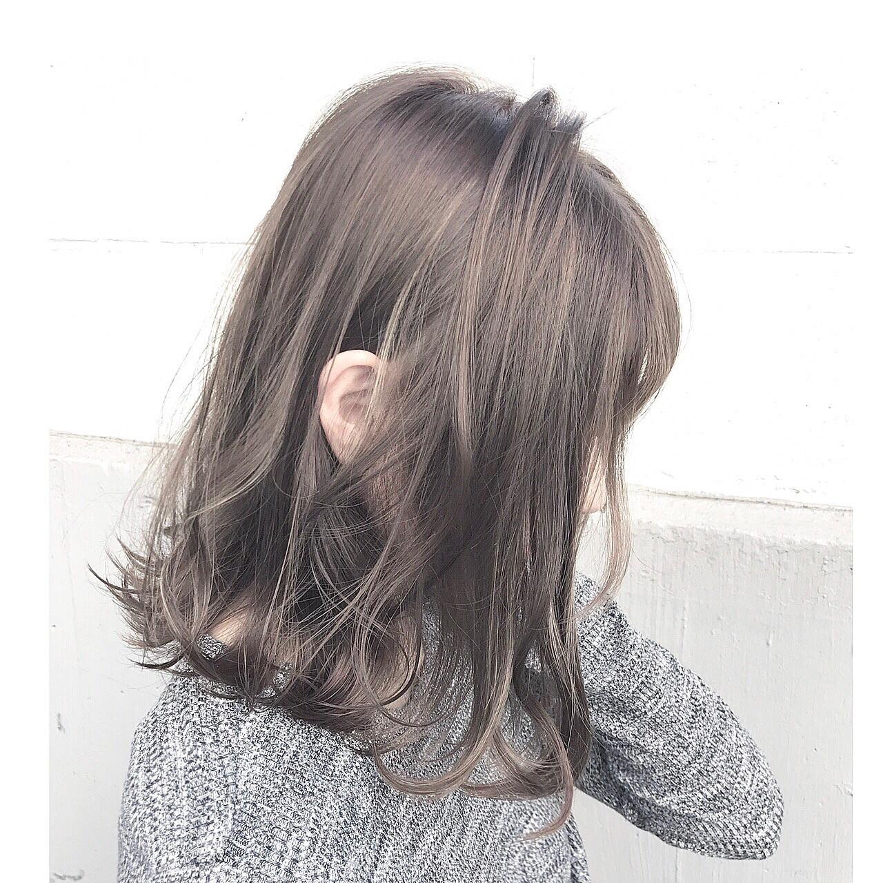 エレガント ミディアム 上品 アッシュ ヘアスタイルや髪型の写真・画像