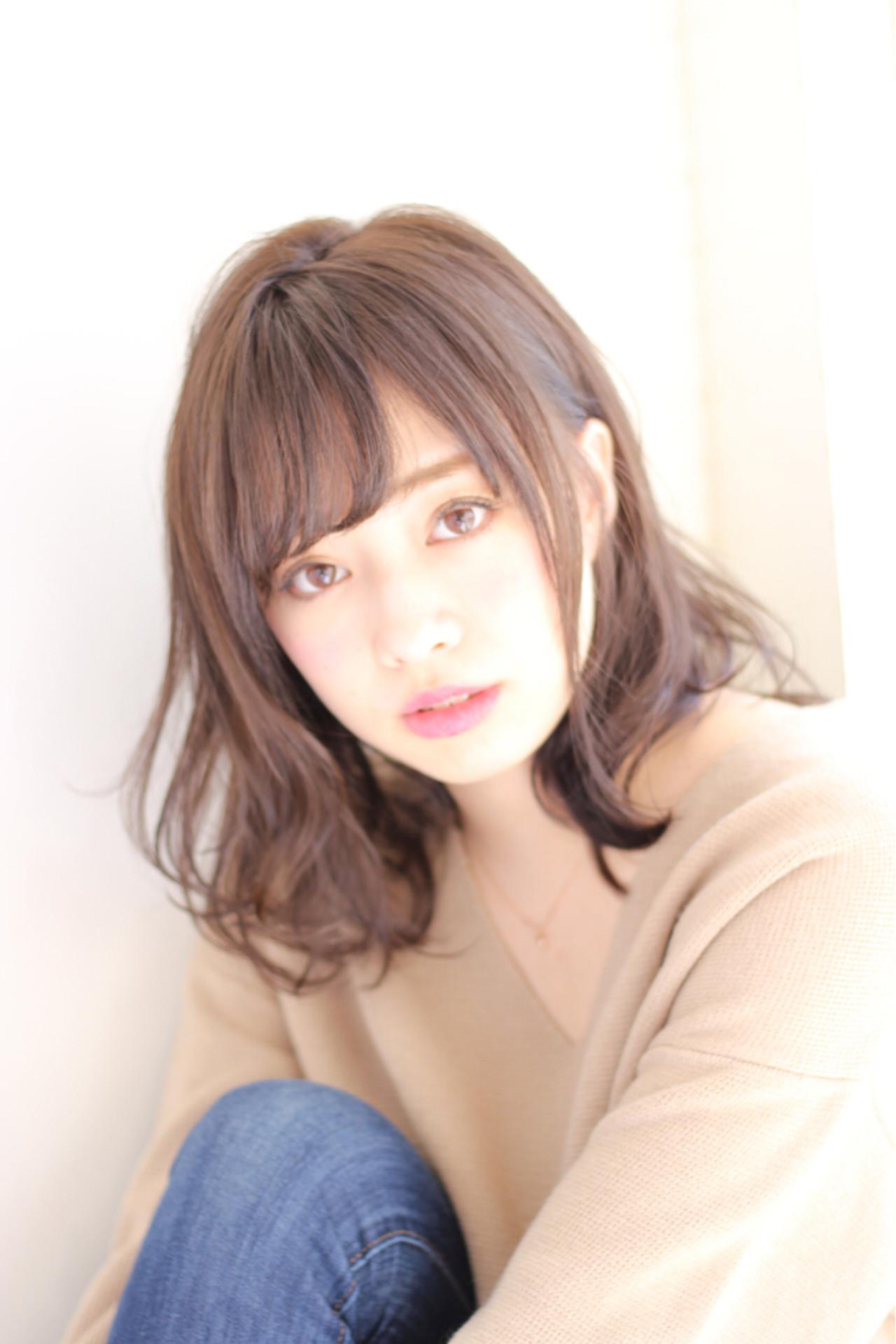ミディアム フェミニン 色気 デジタルパーマ ヘアスタイルや髪型の写真・画像