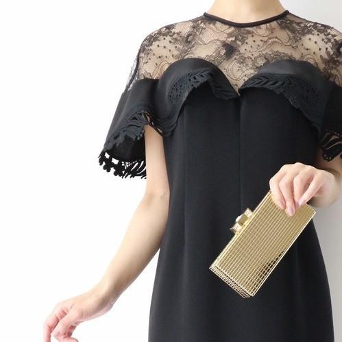 シーンに合わせた特別感のある装いを!失敗しない二次会用ドレスの選びかた