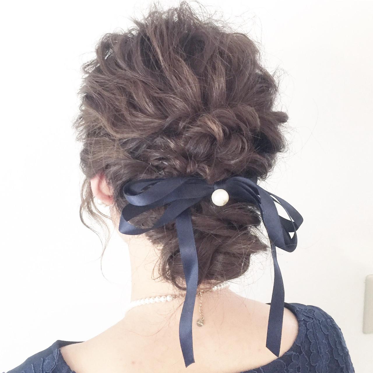 ヘアをすっきりまとめたいときに!ミディアムヘアにおすすめのまとめ髪