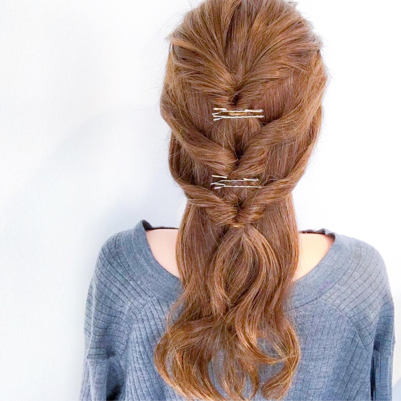 連続くるりんぱで編み込み風ダウンスタイルに♡ 美容師 HIRO | Amoute/アムティ