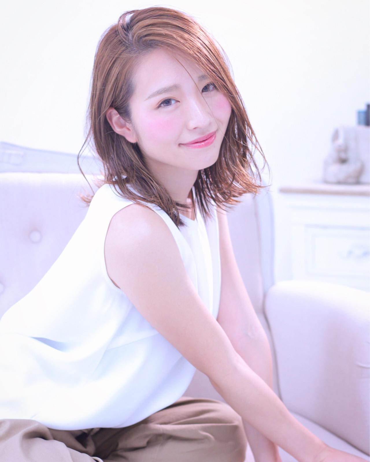 笑顔引き立つ♪明るめブラウンのミディアムボブ Wataru Maeda | cache cache