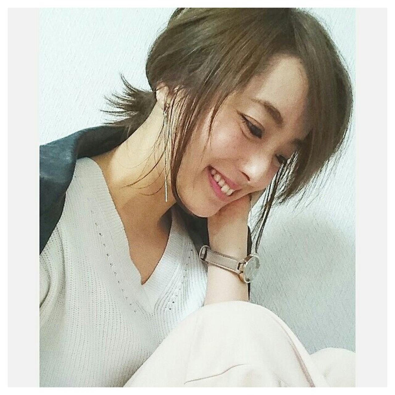あえて後れ毛を出すのがポイント♪ asuka