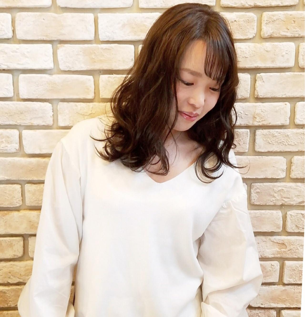 光に当てればエレガントな女性に♡ 石井美那 | BERA g hair