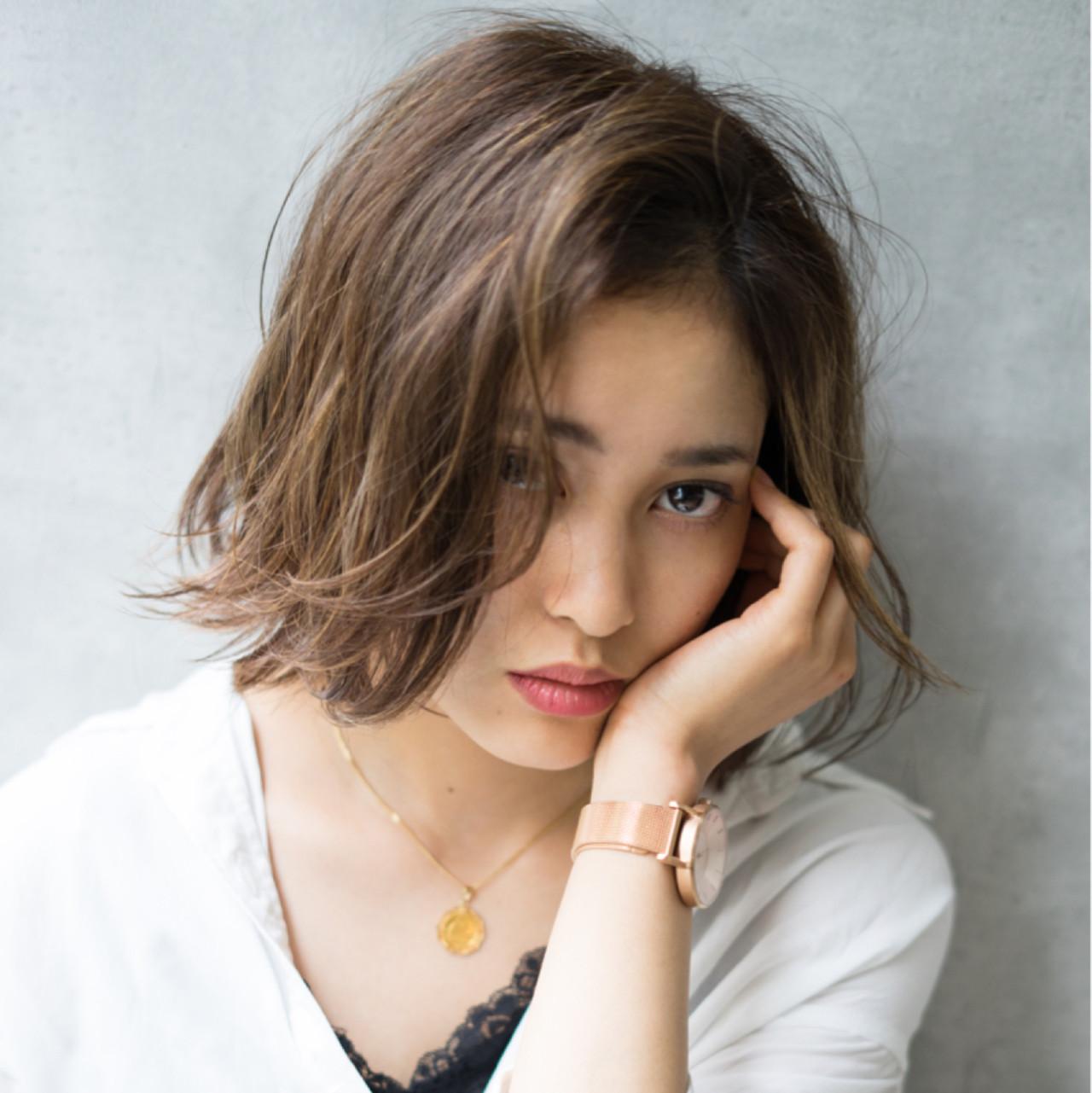 前髪なしミディアムボブでクールビューティーを演出♡ 山田涼一