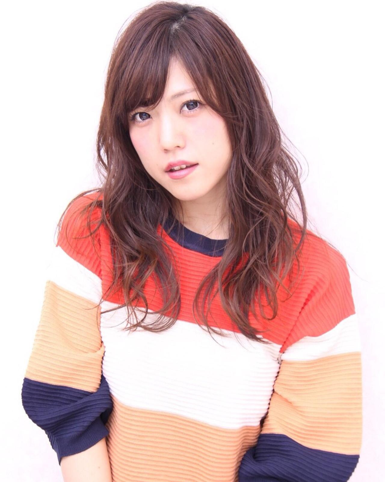丸顔さんのちょいデコ出し!小顔効果満点のパーマヘア arika Yoshioka