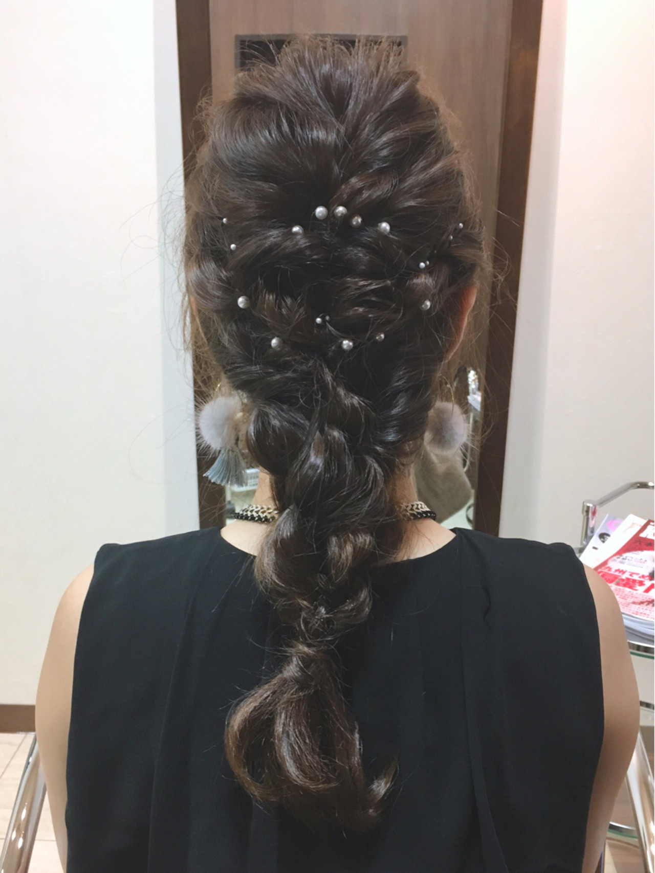 編み込みは結婚式のヘアセットにもおすすめ 中村香菜子