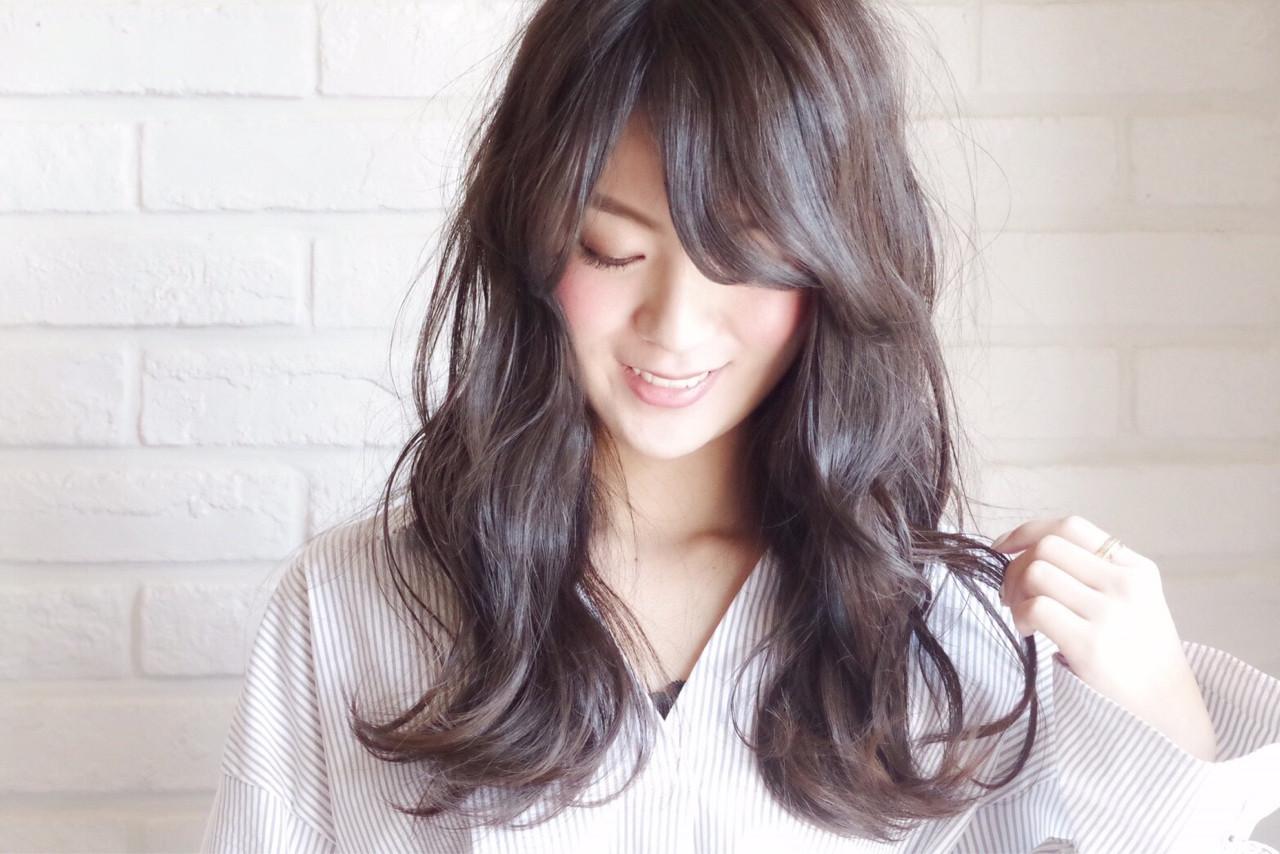面長さんの前髪を重めに見せて小顔をつくる Marina