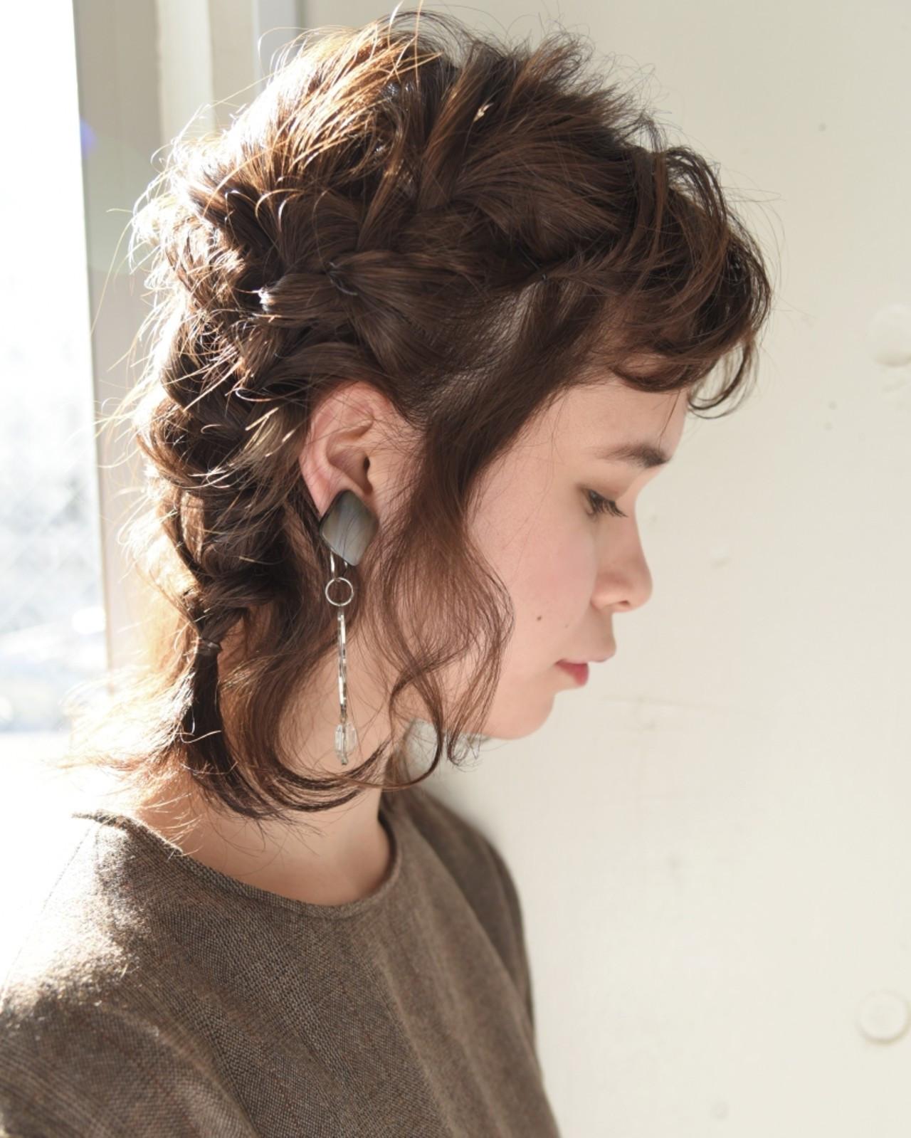 まずは髪をふたつに分けて編み込みに 山口 華絵 Lépés Nakameguro