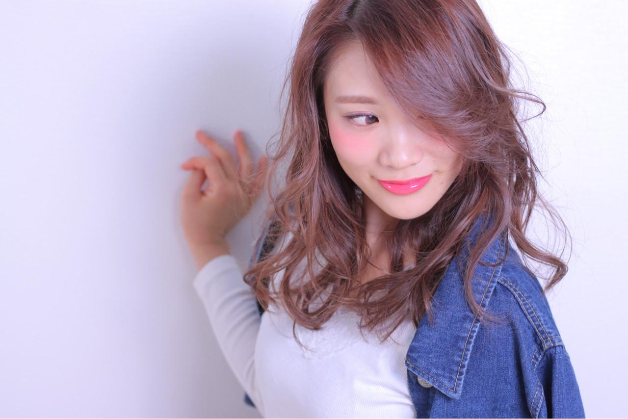 ふんわりウェーブ×斜めバングで大人の色気を演出♡ Masayuki Seto | PROS:旭商店街店