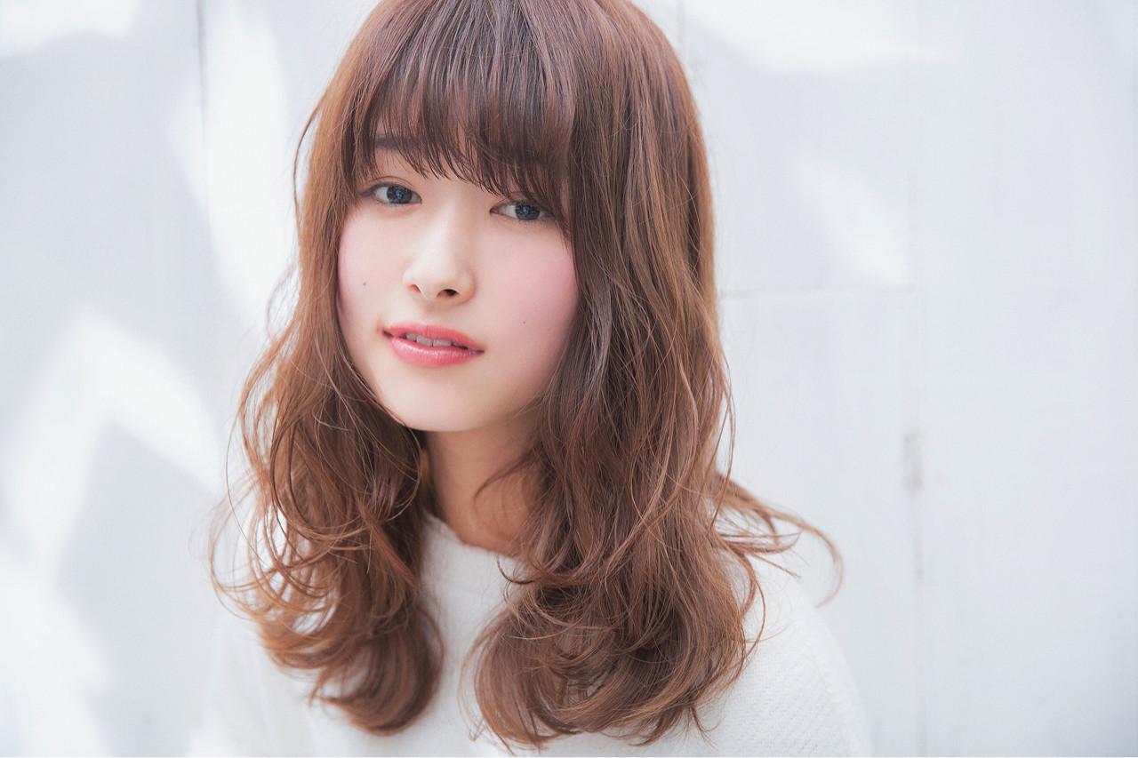 デートにぴったりなミディアムフェミニンスタイル 岩田 隆太郎 | NEUTRAL produced by GARDEN