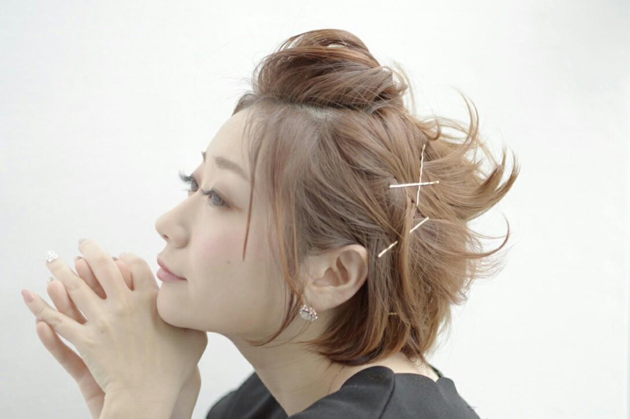 前髪アップはピンのアレンジでかわいく♡ 萩原 翔志也