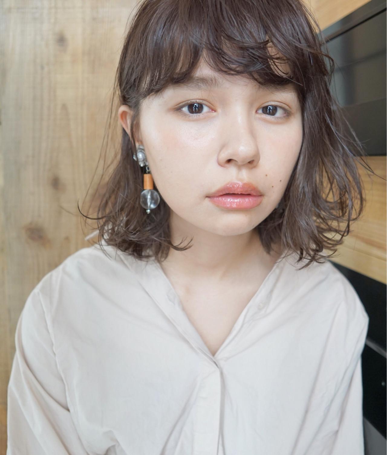 アンニュイ アッシュ くせ毛風 パーマ ヘアスタイルや髪型の写真・画像