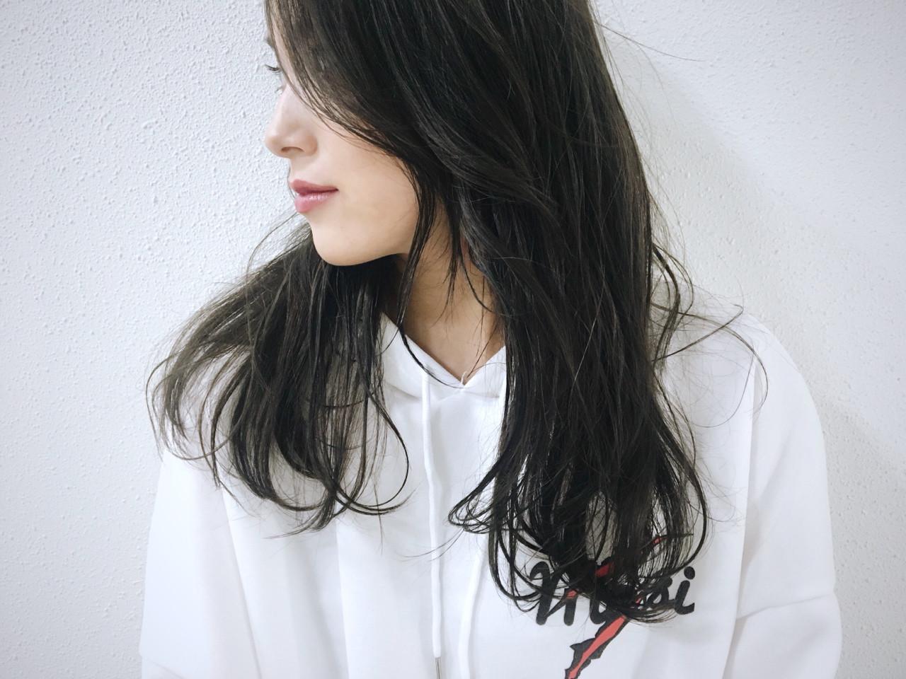 黒髪っぽいダークグレーアッシュは透明感を出してくれます♡ 長 賢太郎
