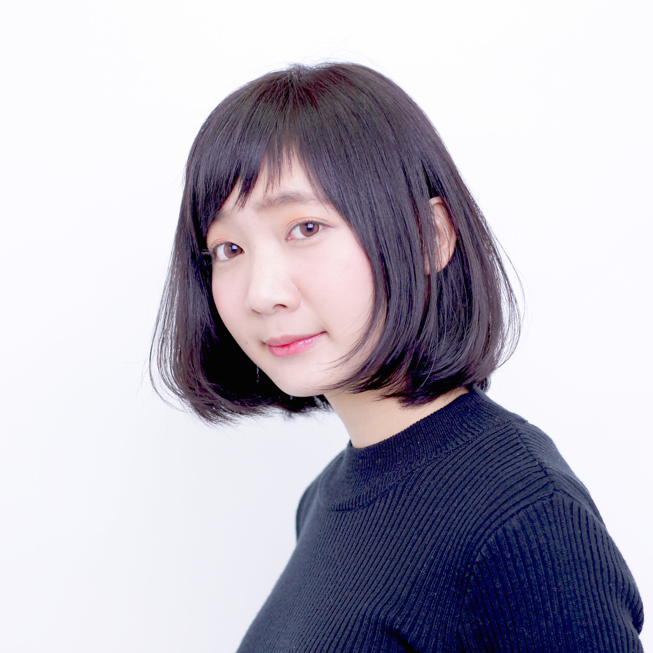 黒髪ショートボブ×アシメはクール感UP 渡辺 勇太 | bico札幌駅前店