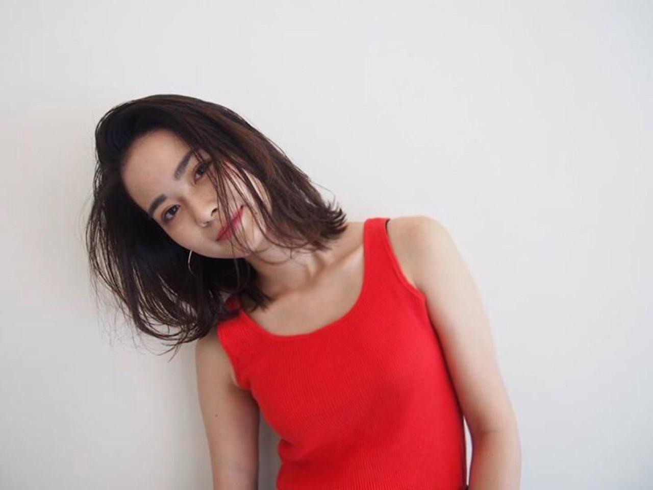 前髪なしストレートボブヘアで女性らしさアピール 磯田 基徳