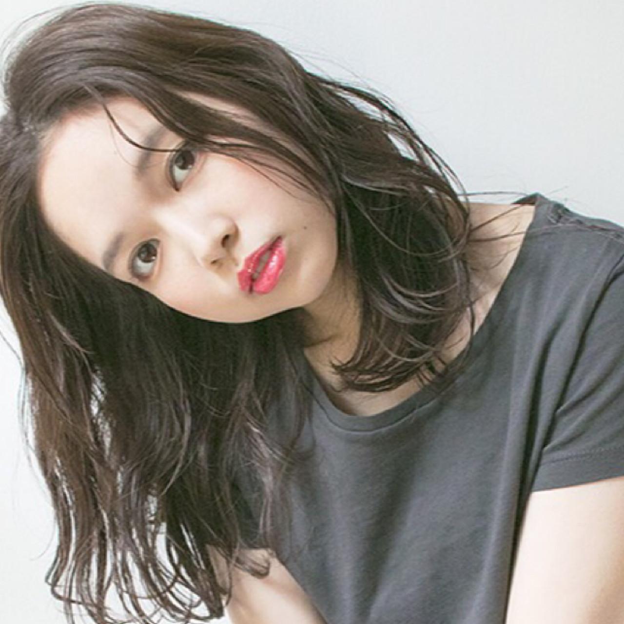 おフェロな濡れ髪ミディアムヘア 吉岡 久美子 / Ravo HAIR