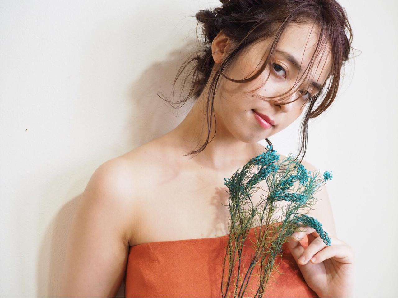 結婚式 ミディアム デート 前髪アレンジ ヘアスタイルや髪型の写真・画像