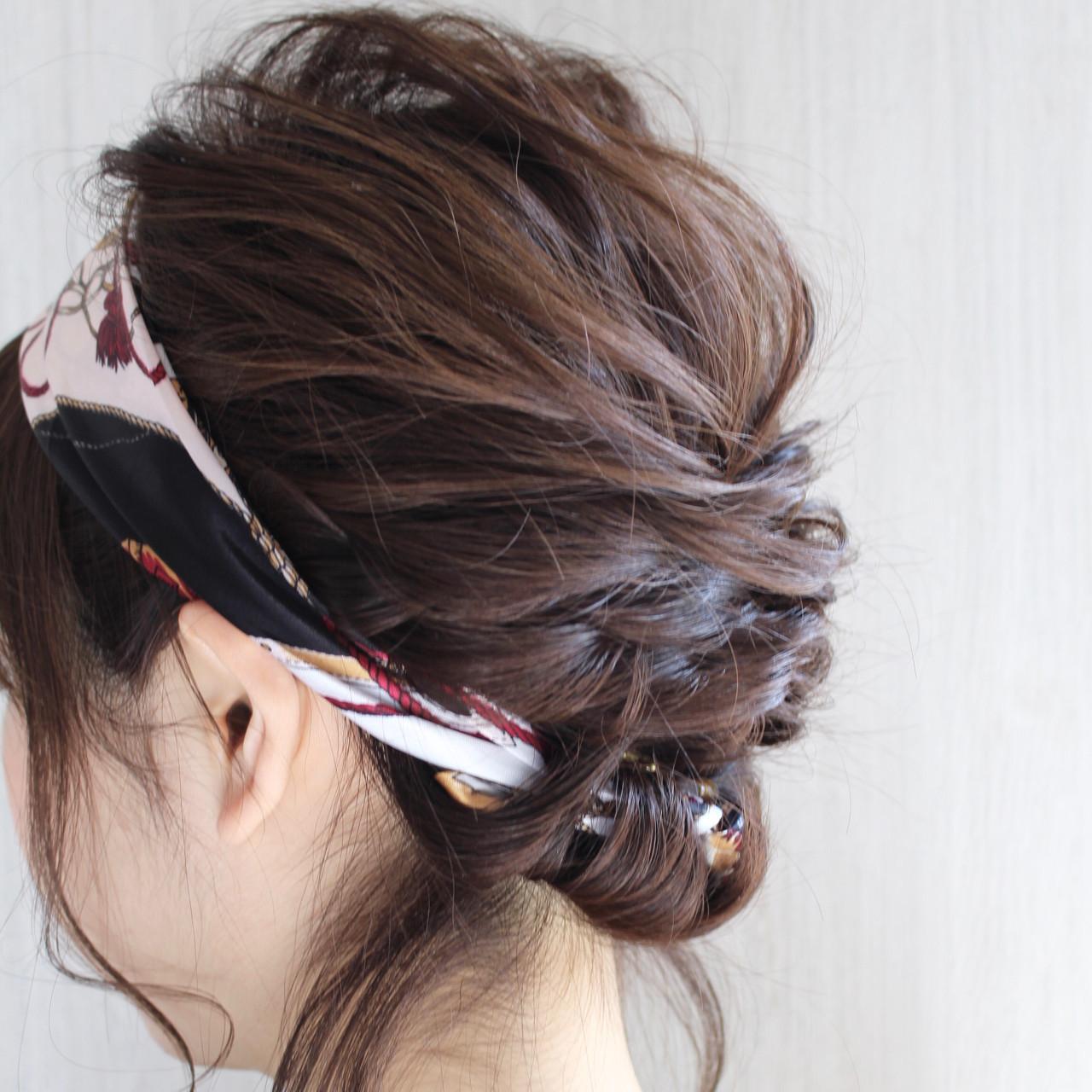 スカーフで大人こなれなまとめ髪アレンジで♡ RIO watanabe