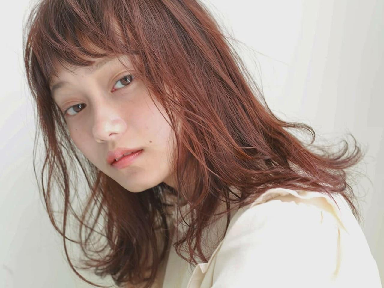 ナチュラル ミディアム パーマ オレンジブラウン ヘアスタイルや髪型の写真・画像