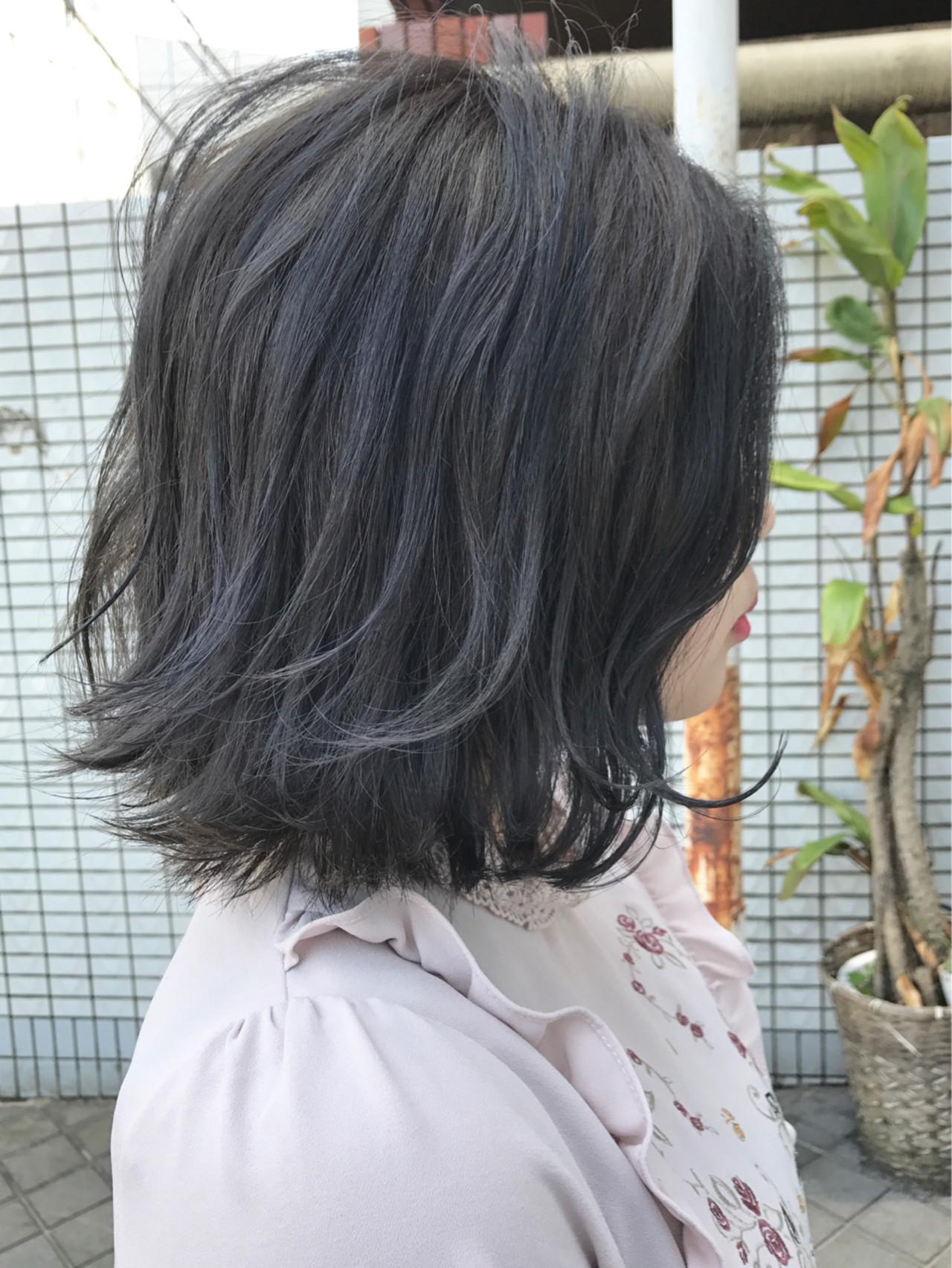 アウトドア ブルージュ ブルーブラック グレージュ ヘアスタイルや髪型の写真・画像