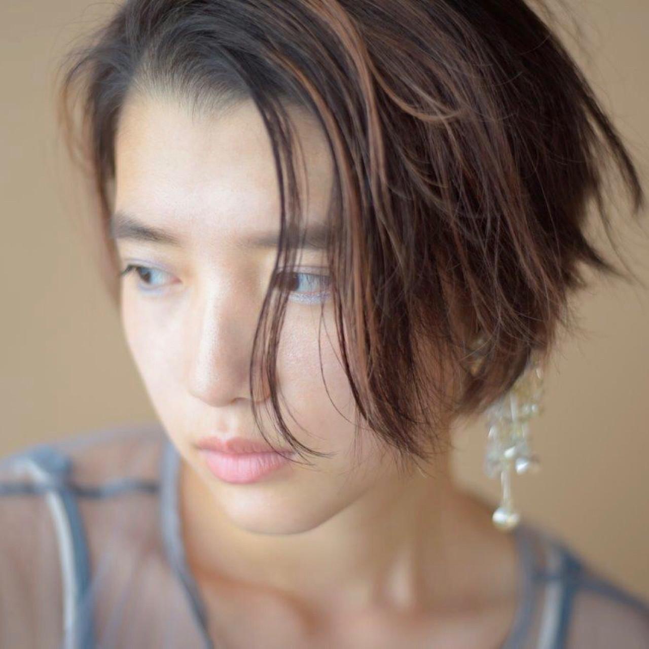 ショート ウェットヘア 抜け感 大人かわいい ヘアスタイルや髪型の写真・画像