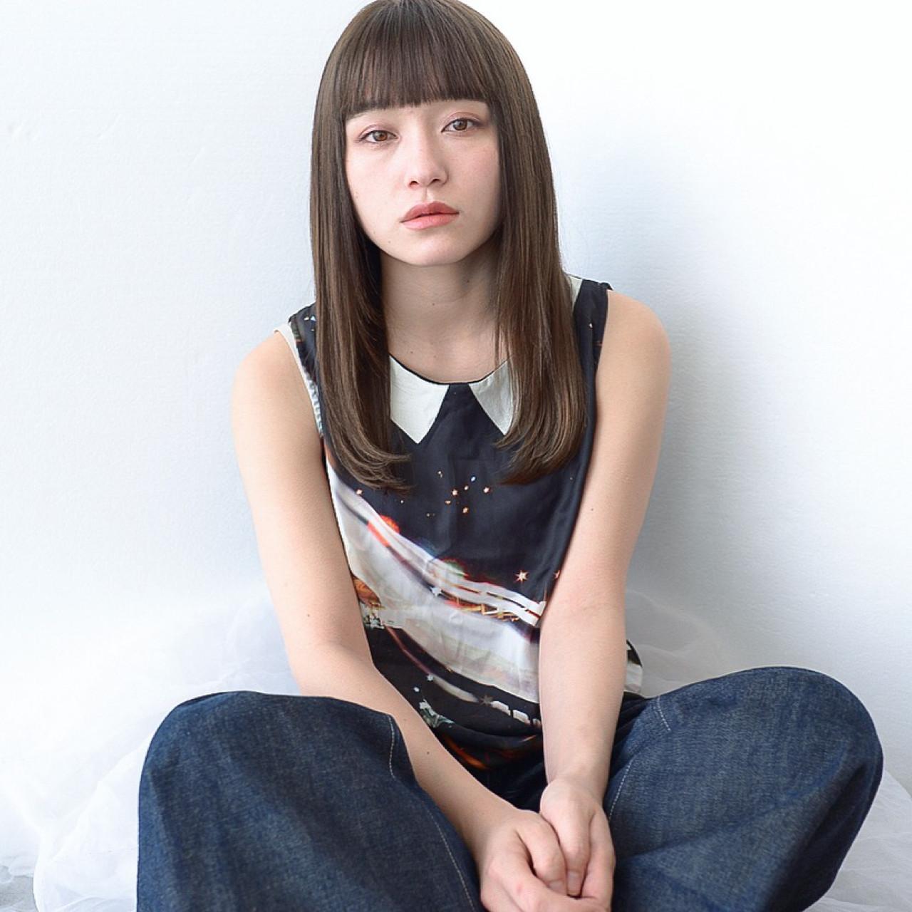 前髪あり セミロング 透明感 エフォートレス ヘアスタイルや髪型の写真・画像