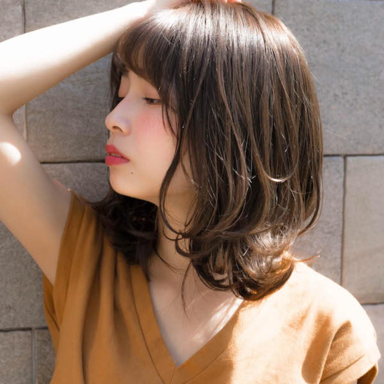 デート パーマ ミディアム 前髪あり ヘアスタイルや髪型の写真・画像