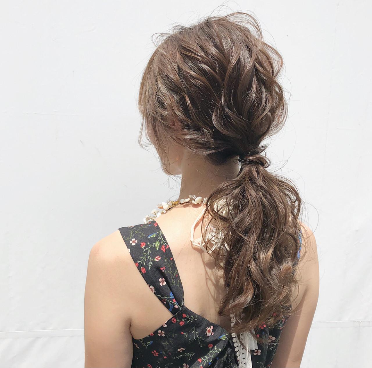 サイド三つ編みの華やかポニー♡ hii.de@✂︎