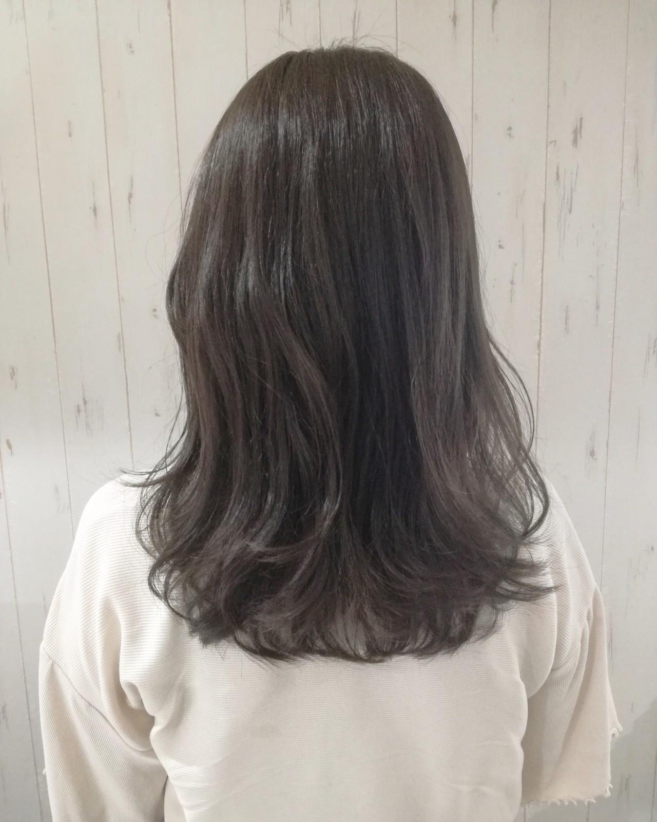 セミロング 透明感 アッシュグレージュ ナチュラル ヘアスタイルや髪型の写真・画像