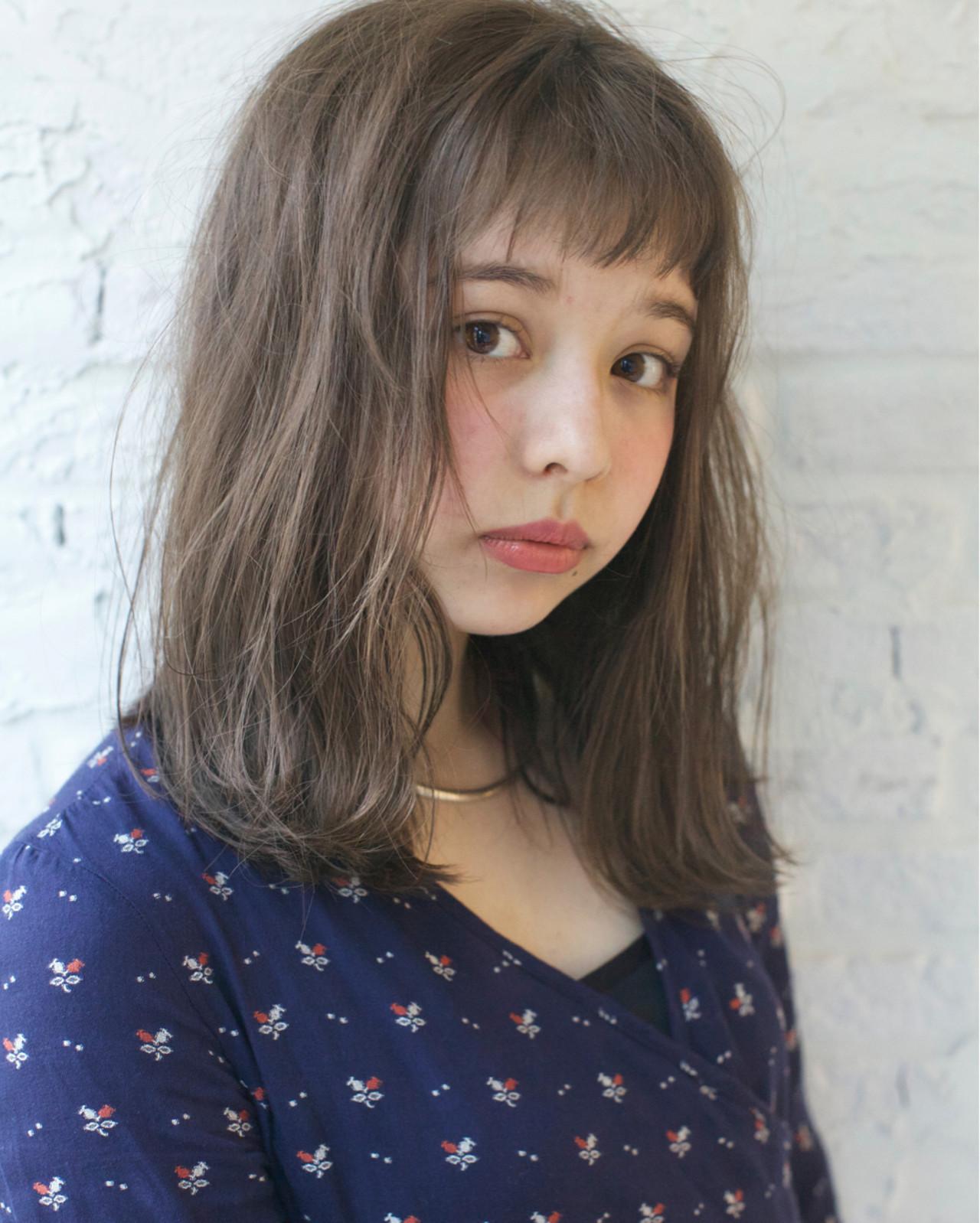 ミディアム ゆるふわ ハイライト ナチュラル ヘアスタイルや髪型の写真・画像