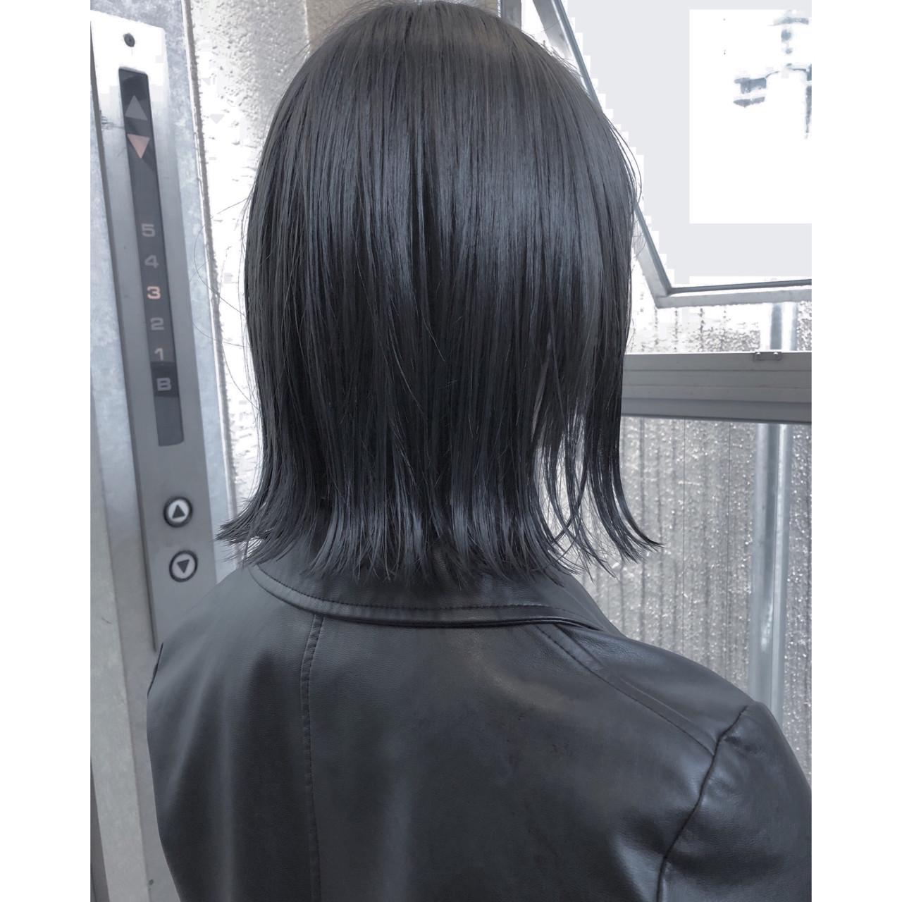 黒髪なら長めのストレートが大人スタイル! 鈴木さとる
