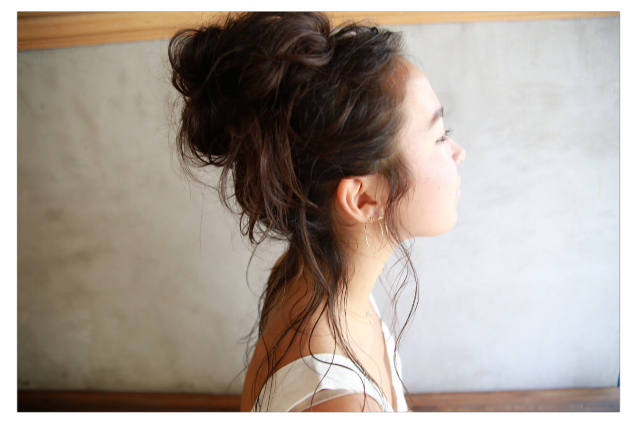 お団子 簡単ヘアアレンジ ナチュラル ヘアアレンジ ヘアスタイルや髪型の写真・画像