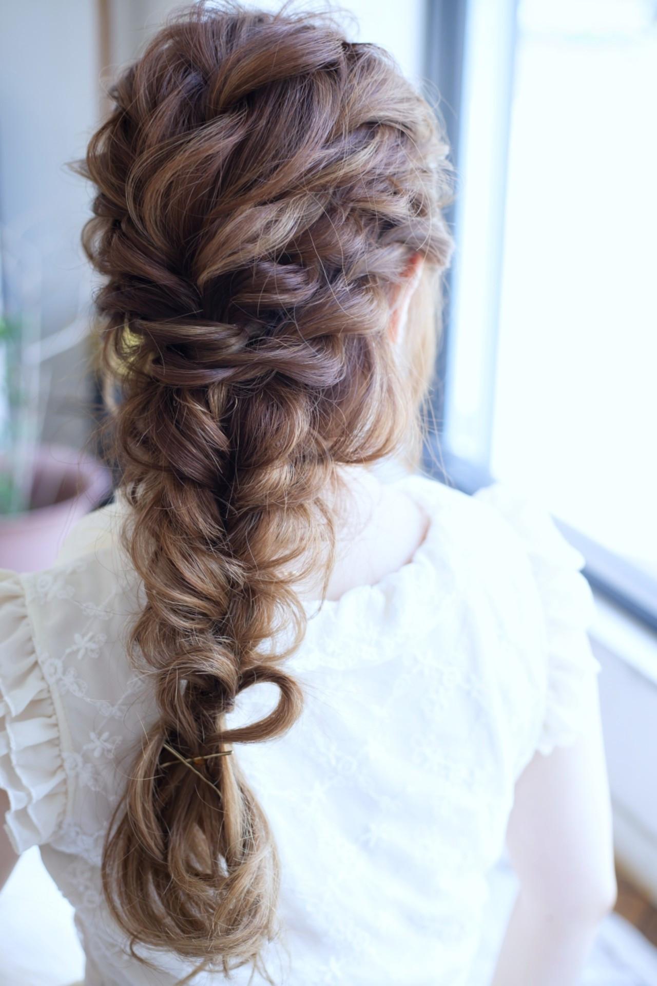 フェミニン ヘアアレンジ 夏 編み込み ヘアスタイルや髪型の写真・画像
