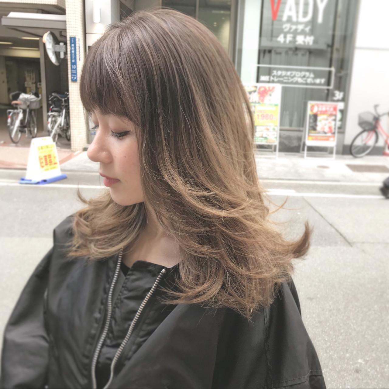 外国人風 デート ロング 外ハネ ヘアスタイルや髪型の写真・画像
