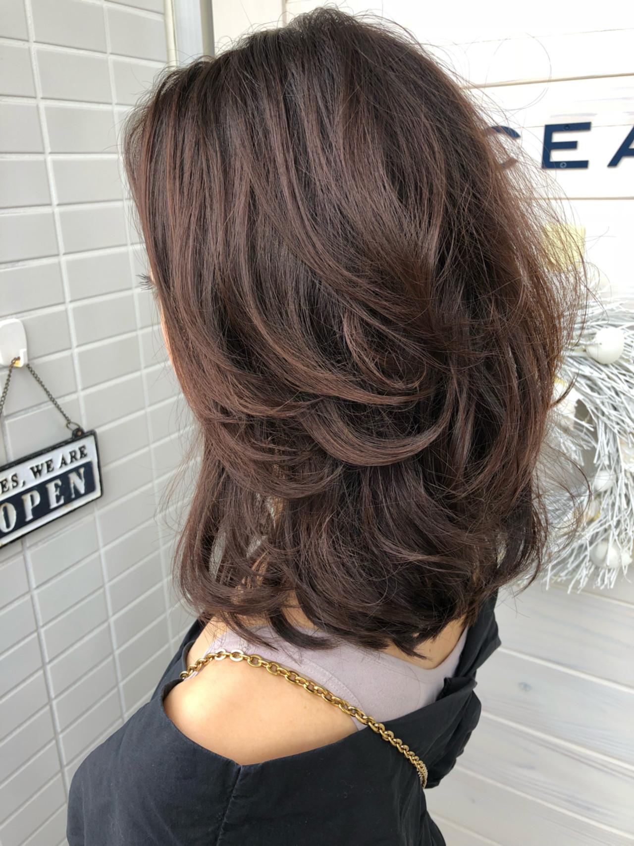 ウェーブ レイヤーカット ゆるふわ ミディアム ヘアスタイルや髪型の写真・画像