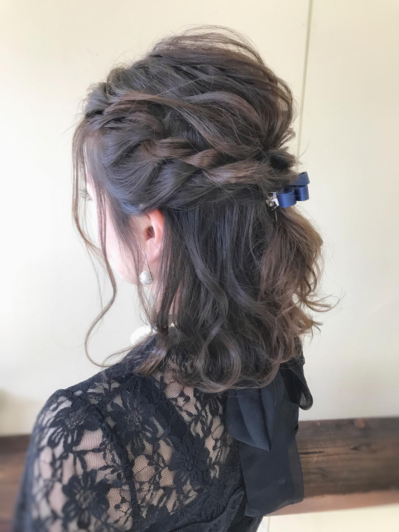フェミニン ヘアアレンジ ミディアム 結婚式 ヘアスタイルや髪型の写真・画像