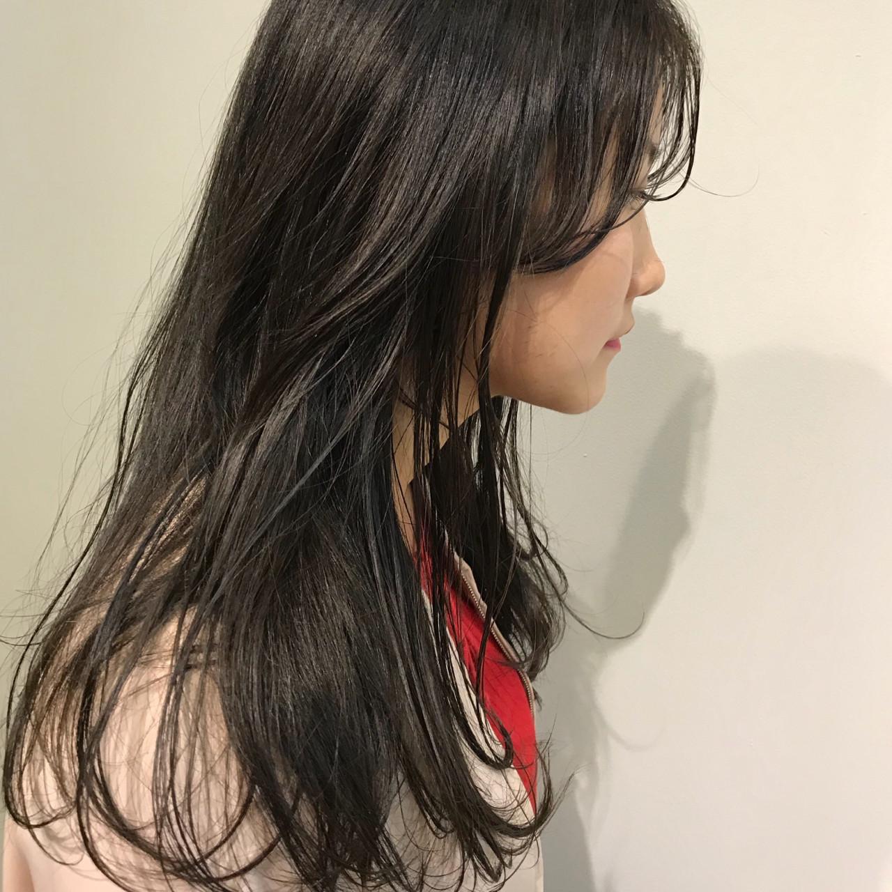 オフィス ナチュラル ウェットヘア ロング ヘアスタイルや髪型の写真・画像