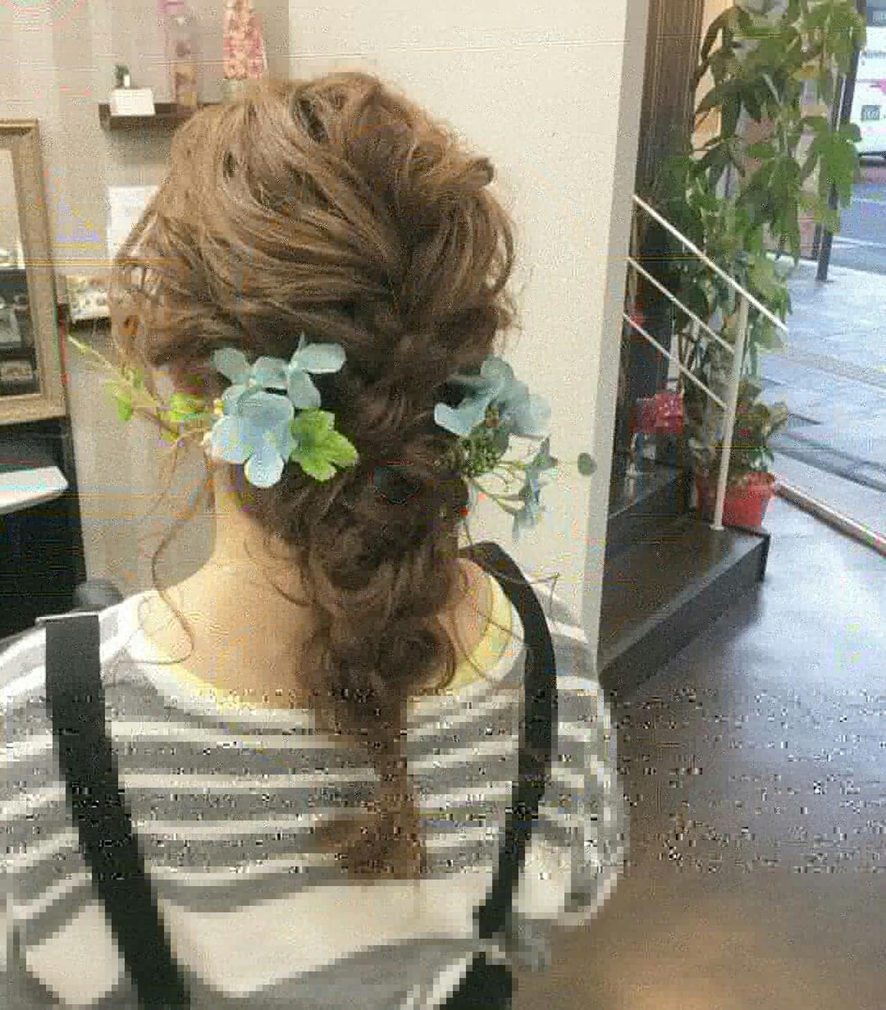 編み込み ロング ヘアアレンジ ナチュラル ヘアスタイルや髪型の写真・画像