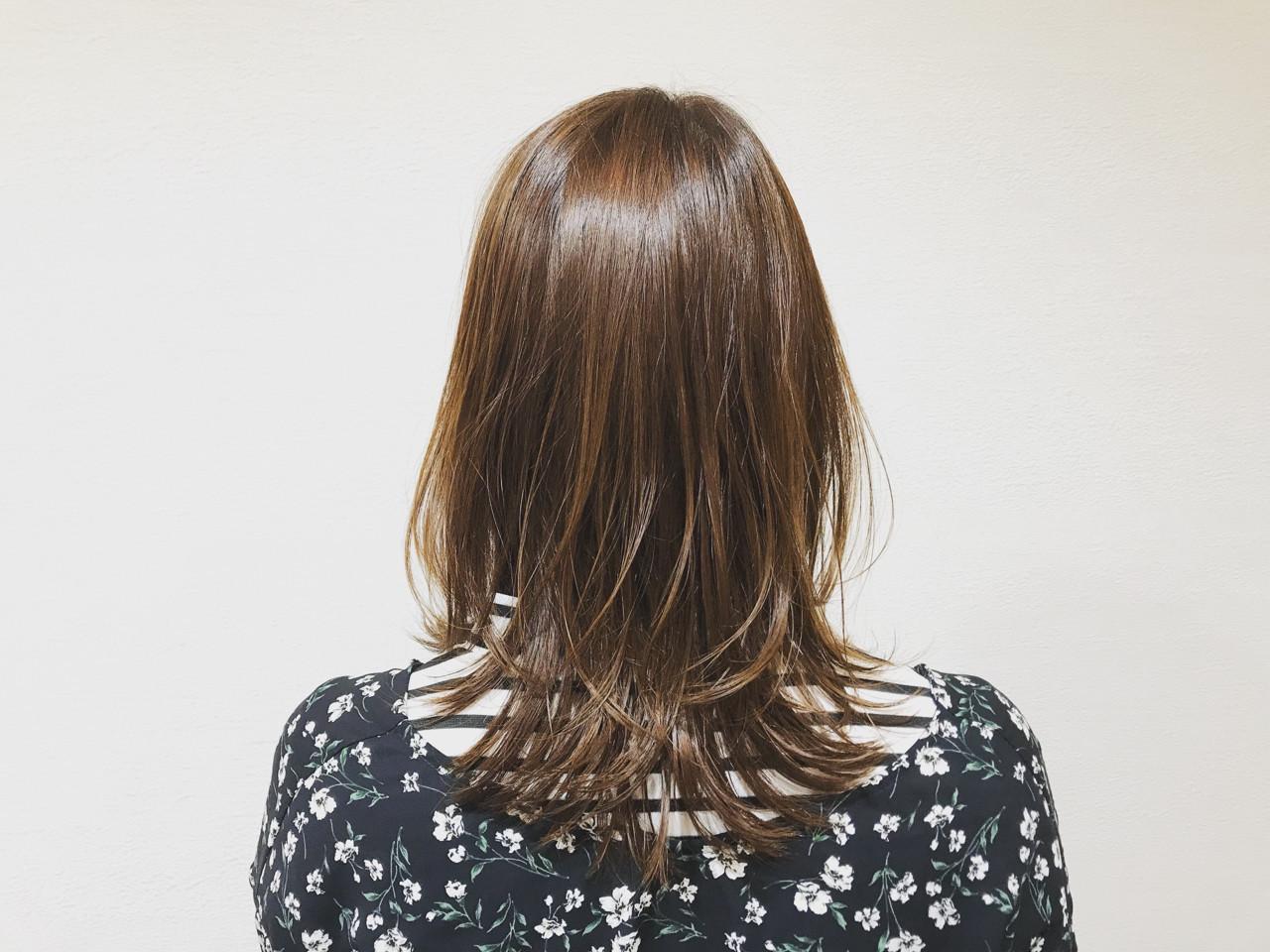 ナチュラル ミディアム レイヤーカット ヘアオイル ヘアスタイルや髪型の写真・画像