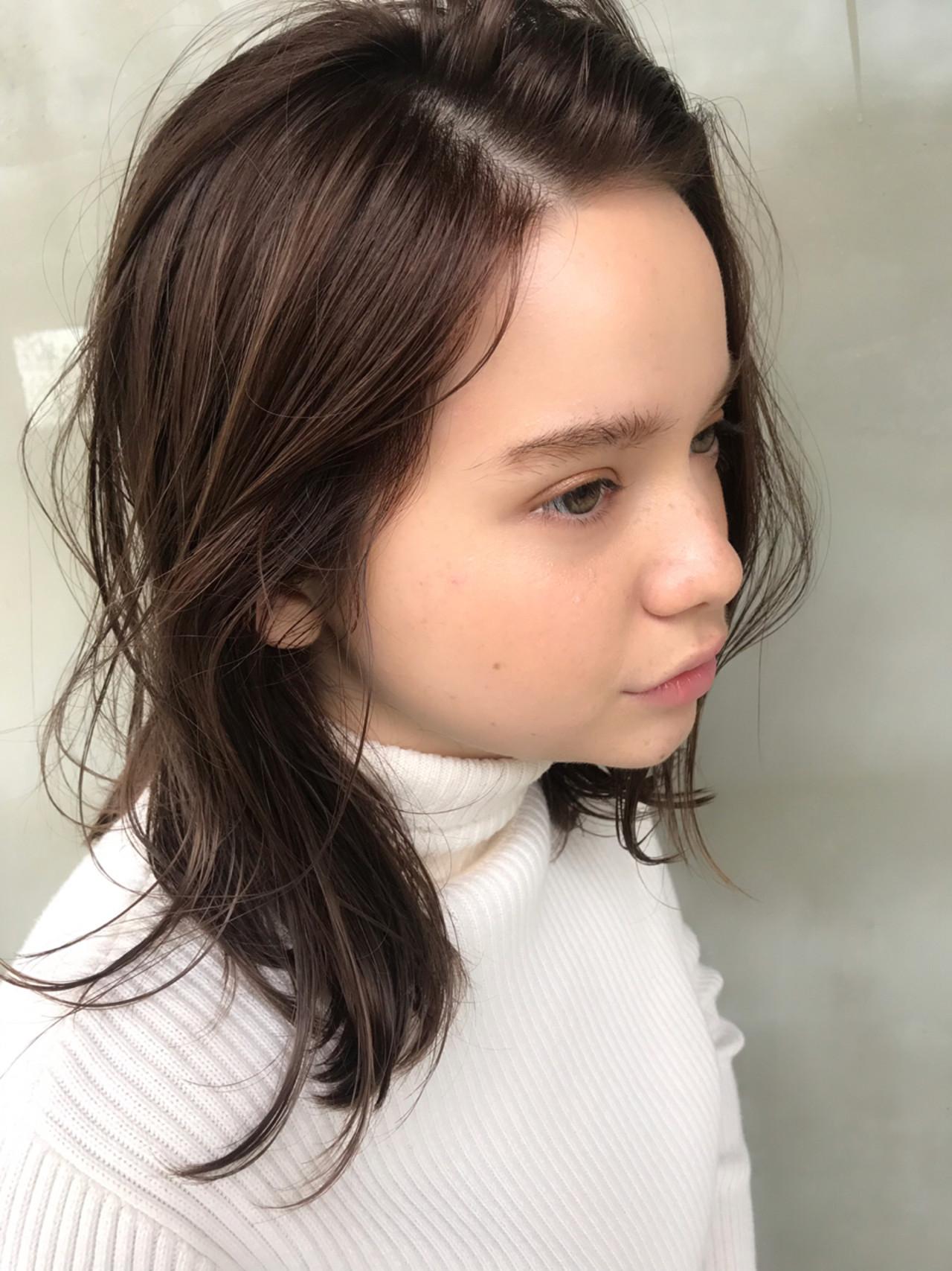 フェミニン ゆるふわ ハイライト ウェーブ ヘアスタイルや髪型の写真・画像