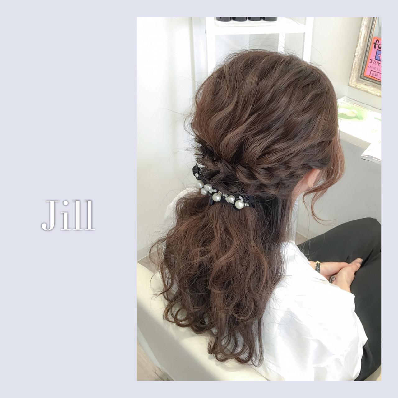 ハーフアップ ヘアアレンジ バレッタ 波ウェーブ ヘアスタイルや髪型の写真・画像