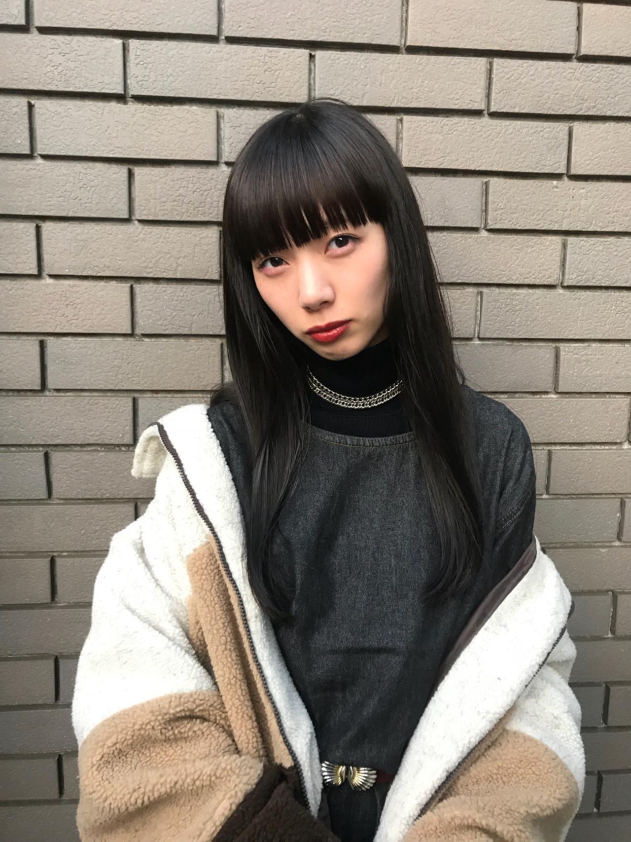 黒髪 ロング ストリート 前髪パッツン ヘアスタイルや髪型の写真・画像