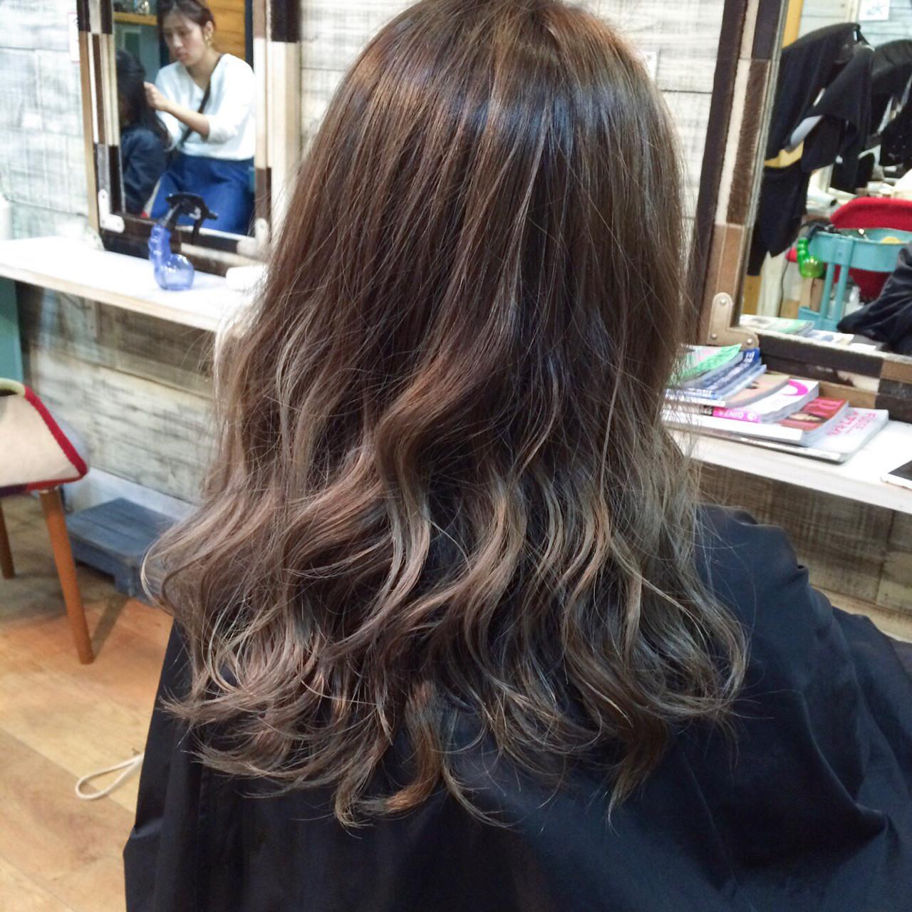 ダブルカラー ハイライト 外国人風カラー ナチュラル ヘアスタイルや髪型の写真・画像