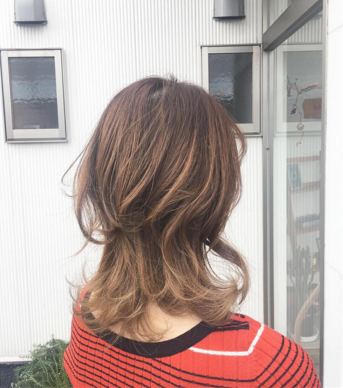 グラデーションカラー エレガント ベージュ 上品 ヘアスタイルや髪型の写真・画像