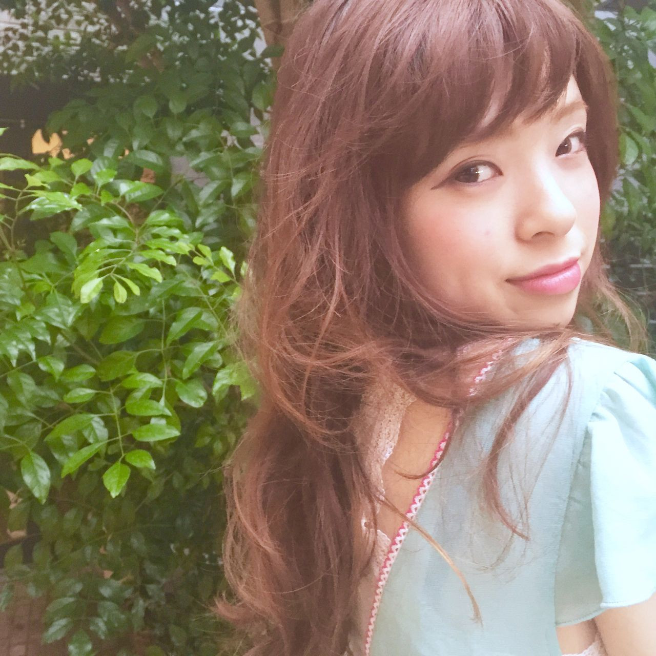 ブラウンベージュ ウェーブ ストリート 外国人風 ヘアスタイルや髪型の写真・画像