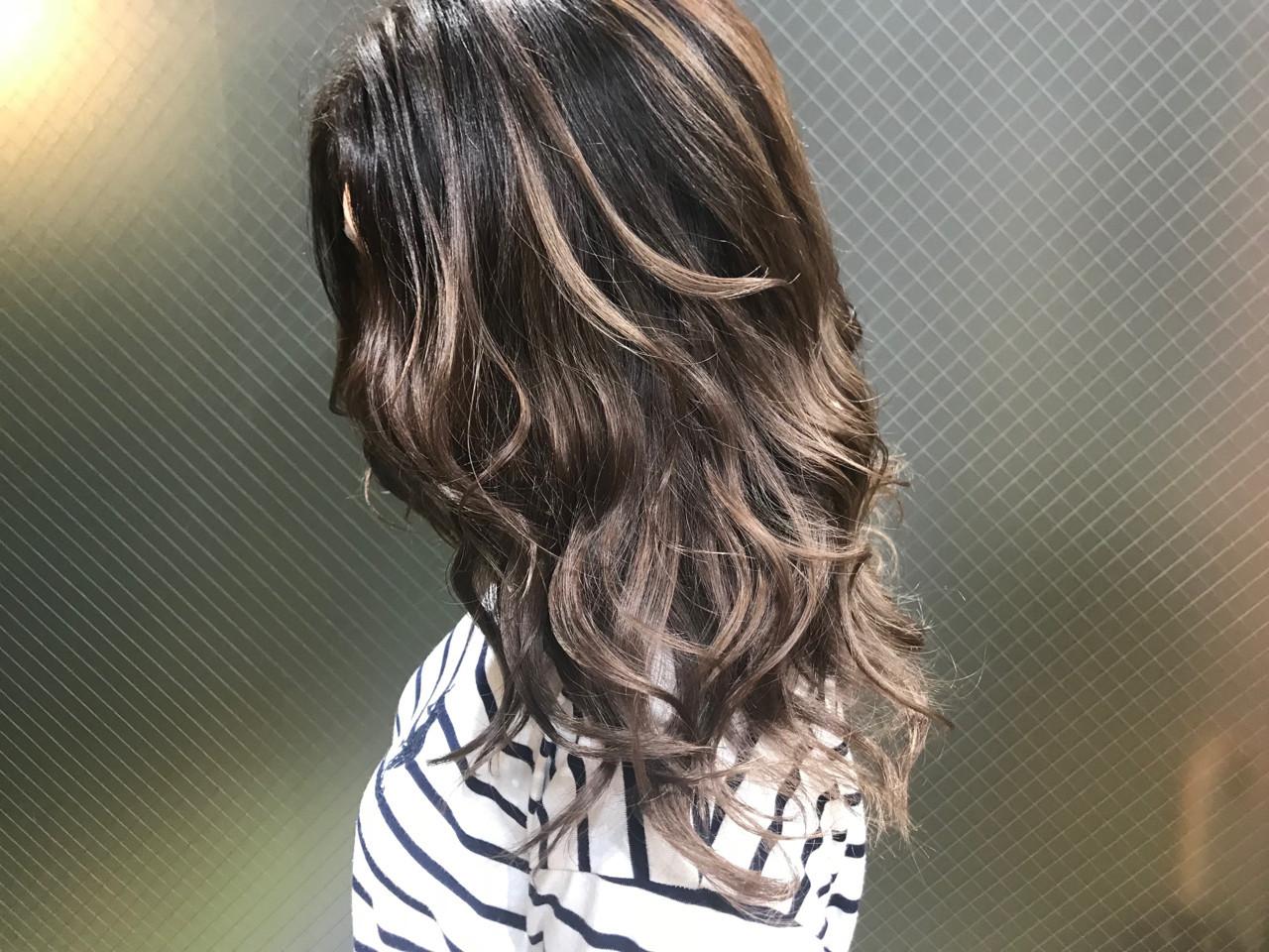 ローライト うる艶カラー ロング ナチュラル ヘアスタイルや髪型の写真・画像