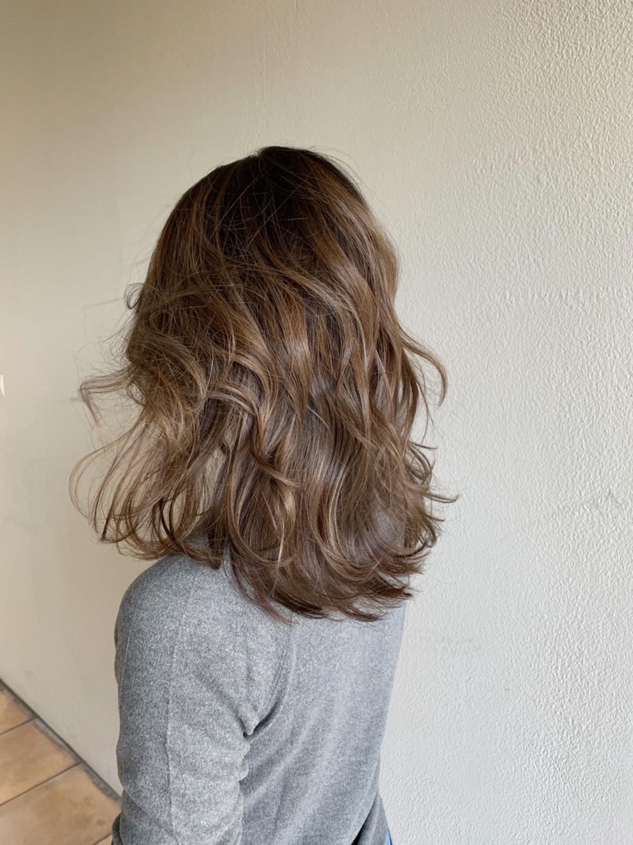 外国人風 フェミニン ロング グラデーションカラー ヘアスタイルや髪型の写真・画像